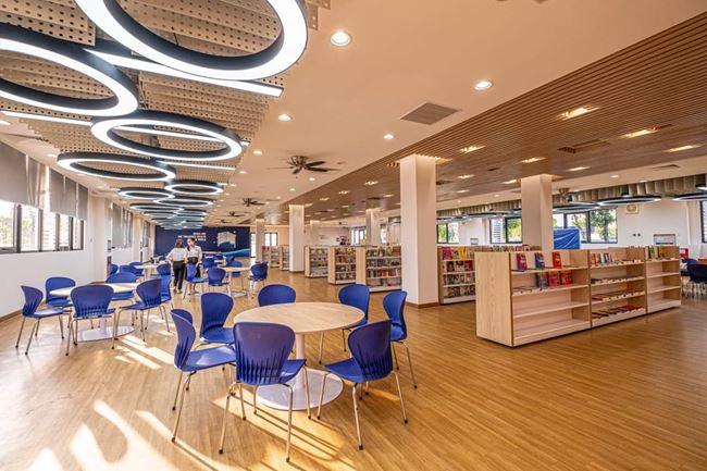 Không gian thư viện hiện đại, ngăn nắp tại Vinschool Vinhomes Ocean Park